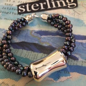 🐠Sterling Silver and Triple Strand Pearl Bracelet
